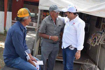 Escuchó Ernesto Luque a vecinos de Pedro Escobedo y dio a conocer sus propuestas