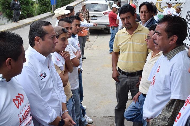 Ernesto Luque recorrió los municipios de Pinal de Amoles y Arroyo Seco