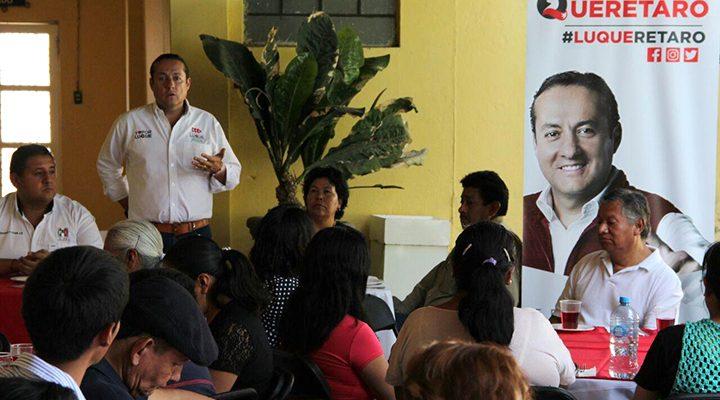 Ernesto Luque escuchó a comerciantes, empresarios y artesanos en Tequisquiapan