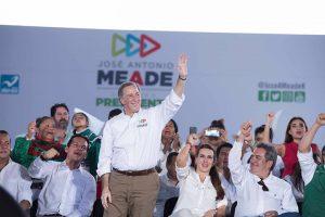 Se reúne José Antonio Meade como mujeres y militantes del PRI en Querétaro