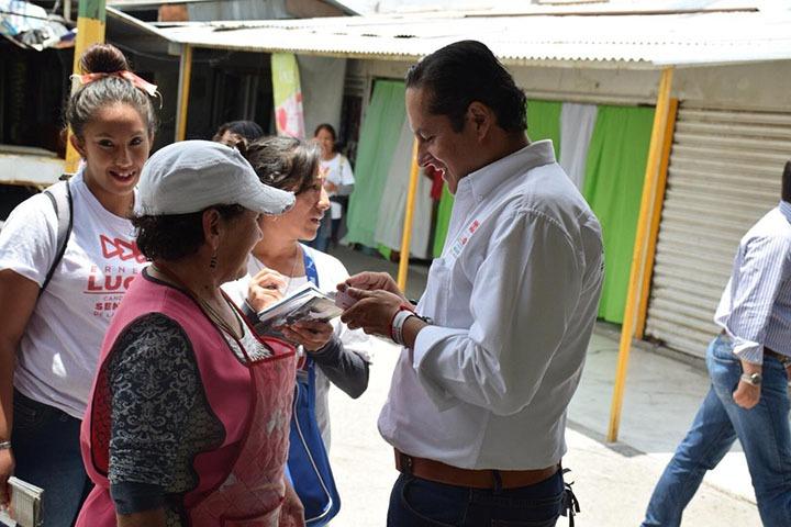 """""""Que siempre estén llenos los mercados, dignifiquemos los espacios"""", Ernesto Luque"""