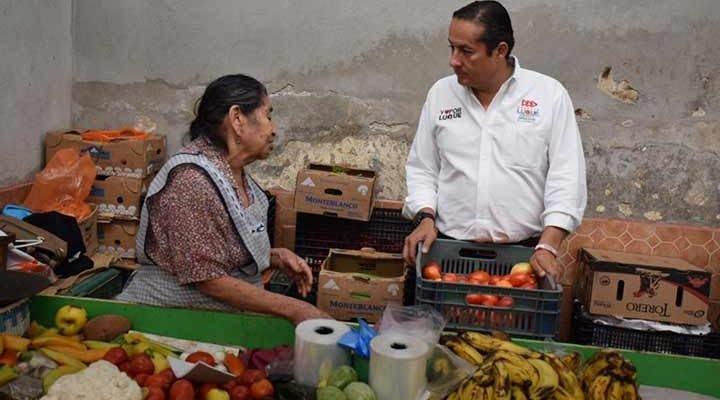 Piden comerciantes de San Juan del Río más seguridad a Ernesto Luque