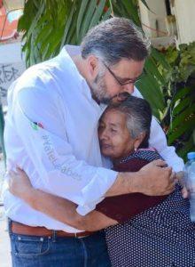 Marco jurídico, infraestructura y apoyos financieros para tercera edad; ofrece Manuel Pozo