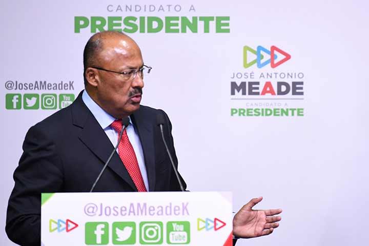 René Juárez nuevo presidente en funciones del CEN del PRI