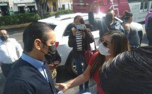 Se reúne Pancho con ambulantes en la Alameda Hidalgo